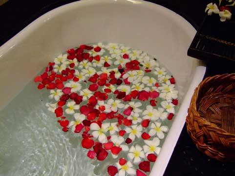 シャワーだけで済ませていませんか?心身ともにリラックス!入浴の効能