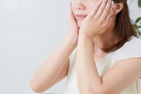 化粧水を冷蔵庫に保管していない?化粧水の正しい保管方法と使用期限とは