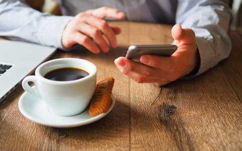 アルバイトの応募、Webと電話どっちがいいの?