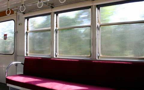 通学・通勤時間を無駄にしないために 【状況別】電車内での過ごし方